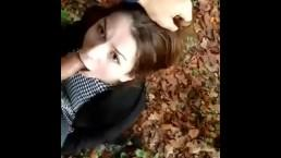 Polskie porno - nastolatka bierze do buzi w parku
